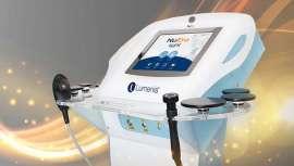 NuEra de Luminis es una tecnología multipremiada y reconocida, la cual descubrir en directo, en tiempo y realidad, de manos de una de las gurús de la piel más prestigiosas del momento, Renée Lapino