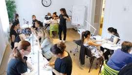 Con una de las formaciones regladas más prestigiosas, atenta siempre a la realidad del mercado, Barcelona Beauty School forma para el éxito a profesionales con la mayor cualificación y expectativas para el triunfo en las áreas más demandadas