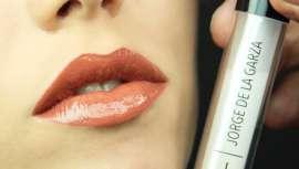 Acertar con el mejor maquillaje es cosa de profesionales. Jorge de la Garza lo sabe y nos descubre las claves de los labios más bonitos, mates o glossy, para makeup perfectos, llenos de seducción