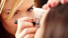 Sólo para ti y tus manos y tus ojos, y la pericia y perfeccionamiento de tu técnica, tres ases del maquillaje a tu alcance en Barcelona Beauty School