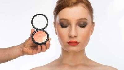 Cómo lucir el Living Coral en tu maquillaje, el color del año