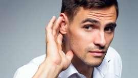 El Dr. Junco consigue reposicionar y remodelar las orejas prominentes en adultos y niños