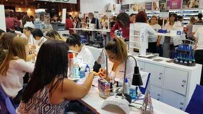 Masglo da a conocer lo último en uñas en Expobelleza Andalucía 2019