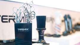 Termix amplía su gama dedicada al cuidado de la barba y el cabello masculinos con dos nuevas incorporaciones: las tijeras  profesionales de barbería y la alfombrilla especial barberías