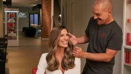 A nova e esperada campanha #EligeWella começa com o anúncio de televisão protagonizado pela modelo Laura Sánchez, que escolhe a Wella e os melhores profissionais e salões de cabeleireiro para cuidar dos seus cabelos e da sua imagem
