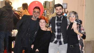 La familia Macías, muy ilusionada, presenta su segundo salón en Barcelona