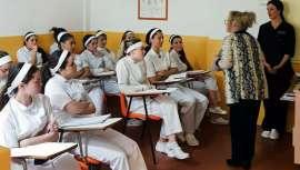 Carmen Cazcarra, figura de reconocido prestigio y sólida trayectoria en el mundo de la belleza y la empresa, ha impartido una interesante conferencia sobre el Mentoring a las alumnas de Estética de la Escuela Cazcarra