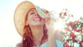 Los cambios de estación conllevan iguales cambios a la piel. Para que ésta sufra lo menos posible y las irritaciones, dermatitis atópica o rosácea estén a raya, lo mejor, el consejo y la cosmética experta