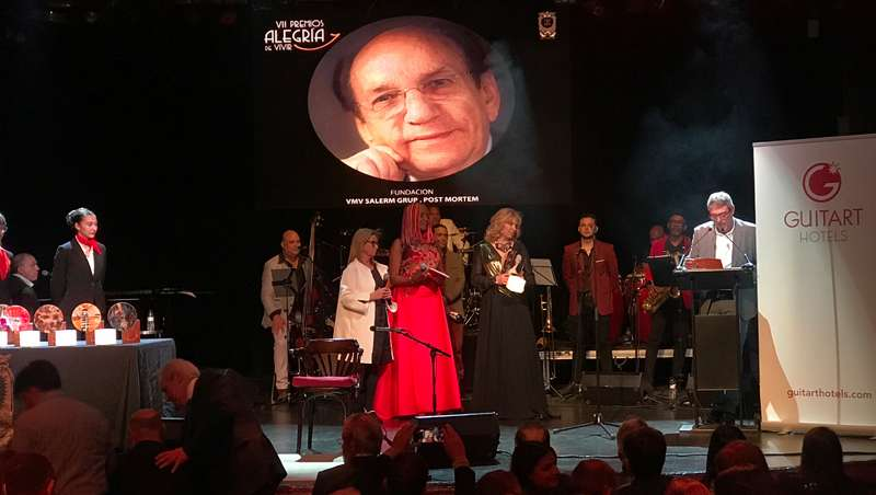 Fundación Víctor Martínez Vicario  recoge el premio 'Alegría de Vivir'