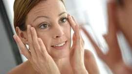 La nueva línea cosmética del doctor Óscar Junco, OJCosmetics, cuenta con rutinas diarias y cosmética específica, además de un cuidado y distintivo packaging ideal en el día de la madre y para mujeres que se cuidan