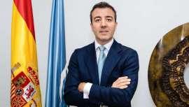 Es uno de los objetivos del nuevo presidente de la Sociedad Española de Cirugía Plástica, Reparadora y Estética (SECPRE). Ramón Calderón persigue una ley más restrictiva que no permita a cualquiera realizar intervenciones estéticas