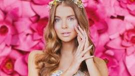 A novidade oferece o acabamento perfeito para qualquer look de primavera com uma gama de pastel de luxo em tons de rosa, nus suaves e uma explosão de pêssego e roxo