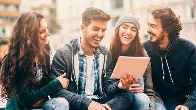 Los Millennials demandan cirugía estética y llenan consultas