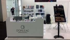 Para dar a conocer sus productos, la firma tuvo el placer de contar con el conocido maquillador italiano Jonathan Tabacchiera