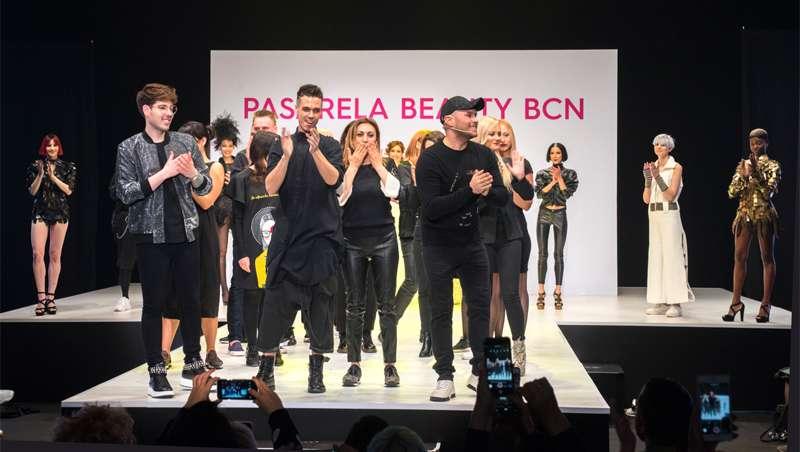 10 años de historia de SK Style Barcelona conquistan la pasarela de Cosmobeauty Bcn