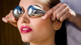 Con activos únicos y exclusivos, la cosmética Carmen Navarro, su expertise y conocimiento y el uso de Cryo-Sticks, Spring Flash obtiene un resultado sorprendente para una mirada rejuvenecida como nunca antes