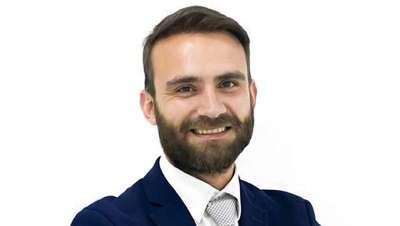 Óscar Mendoza, nuevo director general de MC360, corporación de cirugía capilar