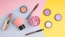 Si se analizan los canales de distribución, la venta directa o por internet de productos cosméticos tiene una participación de un 30,9 y un 0,2 %, respectivamente