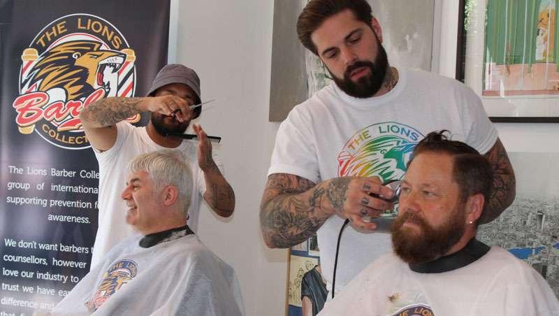 Tom Chapman, el peluquero británico que salva vidas