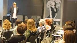 Gonzalo Zarauza insta a 'dignificar la profesión' durante el curso de recogidos nupciales impartido en Barcelona