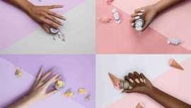 La nueva colección está disponible en los tonos Bon Bon Brittle (gris), Marshmallow Crunch (rosa pastel),  Candy Crust (lila) y Sugar Cane (blanco)
