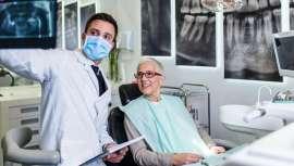 En la Clínica Curull utilizan esta técnica para colocar implantes a aquellas personas que tienen el hueso o la encía deteriorados