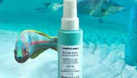 Cuenta con un 72% de ingredientes de origen natural y ofrece SPF30 o filtros químicos fotoestables de gran tamaño molecular para protección y menor absorción por la piel