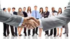 La firma, en alianza con el SENA, se une a la misma para certificar las competencias laborales de 2.400 manicuristas del país