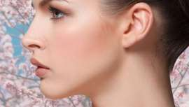 De efeito quase anti-histamínico, revemos os melhores tratamentos, atuações e protocolos que evitam, corrigem ou previnem os temidos efeitos e reações e reações da pele perante a chegada desta estação