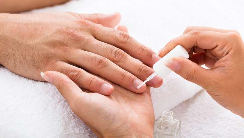 Manicure para homens, a tendência que cresce