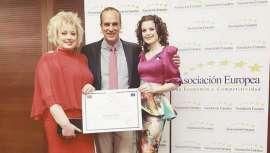 Cosmética Yolmar, empresa española, con larga trayectoria, recibe el premio y medalla de oro por su labor profesional e innovación, otorgado por la Asociación Europea de Economía y Competitividad (AEDEEC)