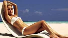 A la vuelta de vacaciones, el regreso puede ser el de una estrella llena de brillo si durante el verano cuidamos de la piel con 10 básicos que nos detalla Carmen Navarro
