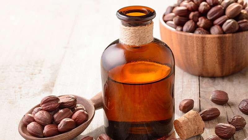 Todo lo que debes saber del aceite de jojoba, poderoso 'aftersun'