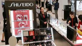 El grupo japonés de cosméticos Shiseido anunció este jueves unos resultados positivos en el segundo trimestre del ejercicio, apoyados en el dinamismo de su negocio en China y en los espacios de venta de los aeropuertos.