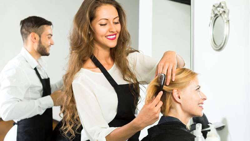 Centros de peluquería y estética en España