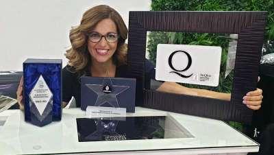 Raquel Mata recibe TheQHair, la Estrella Michelín de la peluquería