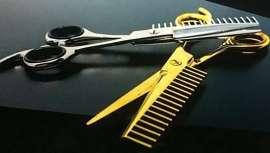 Sí, has leído bien, tijera peine o peine tijera, dos herramientas a la vez en una sola. Soriba promete revolucionar la peluquería y lo hace con una herramienta nunca vista hasta ahora