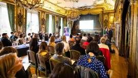 La exportación de cosméticos franceses ha crecido un 12% y la belleza es hoy el cuarto sector económico más grande del país. Cosmoprof 2020 empieza su campaña promocional en la capital del mundo de la moda y la belleza