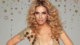 La cantante Roser presenta en directo y en Salón Look la nueva colección makeup de D'Orleac