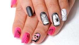 Masglo revoluciona las uñas y cuenta con dos diseños de nail art para la noche de brujas con la nueva línea. Aporta un acabado más profesional y con mayor brillo
