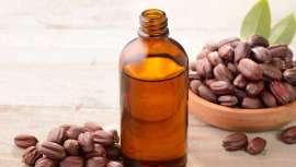 No es un aceite, es una cera líquida al carecer de glicerina. ¿Lo sabías? Pues así 9 datos más que quizás conozcas, o quizá no del que se ha dado en llamar el oro líquido de la belleza