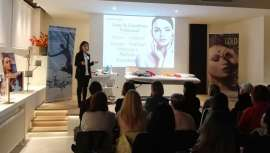 A la vanguardia en formulaciones y formación, Paraíso Cosmetics entrena a los profesionales de la belleza en sus tratamientos y promociones estrella para esta Navidad, durante una instructiva jornada realizada en Studio Beauty Market Madrid