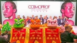 La última edición de Cosmoprof Asía, celebraba en Hong Kong, a pesar de tener una menor afluencia de público, ha concitado a un numeroso grupo de países y expositores a escala mundial que buscan la entrada a este mercado