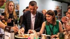 Un evento de negocios y networking que pone el mundo ecológico a tus pies. Organic Food Iberia y Eco Living Iberia, ésta última con las novedades de productos de belleza, cosmética, textil, limpieza y menaje del hogar naturales y sostenibles