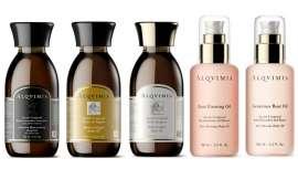 Además del aceite Body Sculptor, que se lanzó hace 35 años siendo el cosmético emblema de esta marca, muestra cuatro más de sus productos más icónicos y reconocidos