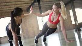 Lllegados a este punto, día y fecha del año, ya sabemos si seguiremos o no en el gimnasio. Pero, ¡ojo!, los expertos en salud y entreno deben de estar atentos a los ejercicios que sí valen y a los que no a la hora de moldear el cuerpo