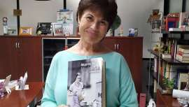 Mujeres de hojalata es la nueva novela de Eloísa Martínez Santos. Al frente de Nueva Visión, empresa de distribución de estética profesional, Eloísa atesora numerosos títulos gracias a su pasión por la escritura