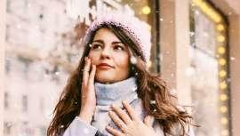 Pela mão de profissionais vemos de que maneira o frio incide na nossa pele e a influencia, e como pôr-lhe um travão