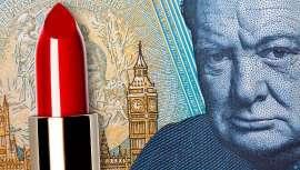 O primeiro ministro Churchill converteu o batom num produto de primeira necessidade em tempos de guerra. E fez mais, com os batons de cor vermelha. Um mito que não é tal, porque a história repete-se durante os períodos de crise