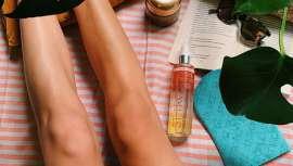 Llevan ingredientes activos autobronceadores 100% naturales combinados con el exclusivo Sunshine Complex que proporciona los efectos beneficiosos de los rayos UV sobre la piel
